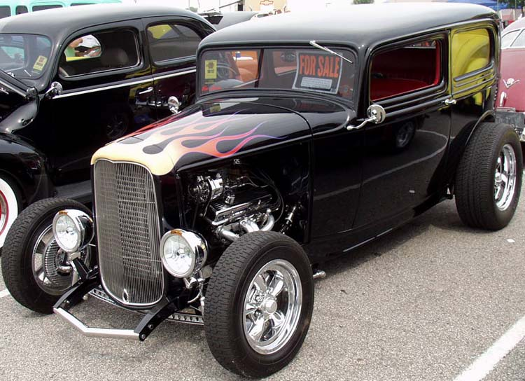 32-Ford-Hiboy-Tudor-Sedan